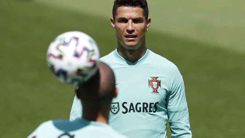 Cristiano Ronaldo y Pepe en un entrenamiento