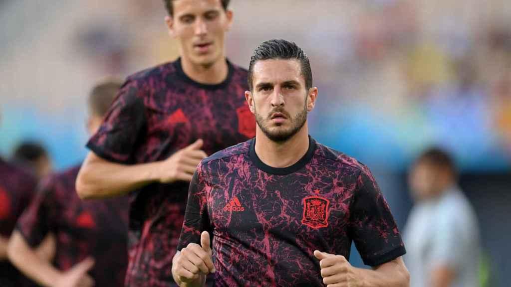 Koke y Pau Torres calientan antes del estreno de la Selección en la Eurocopa