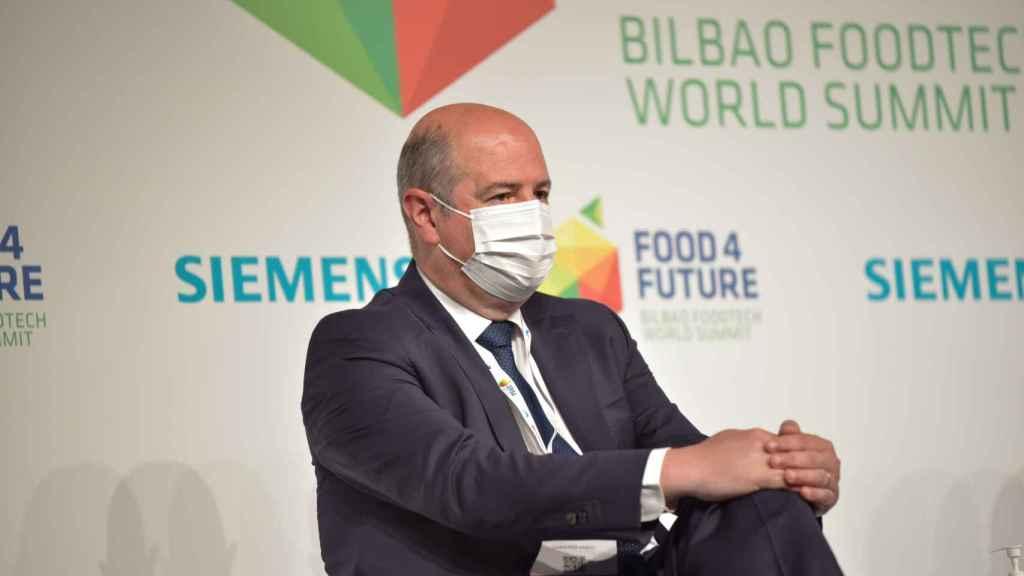 Bittor Oroz, viceconsejero de Agricultura, Pesca y Política Alimentaria del gobierno vasco, durante su intervención en Food 4 Future.