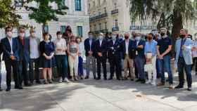 Foto conjunta para la petición de una financiación justa con la Comunidad.