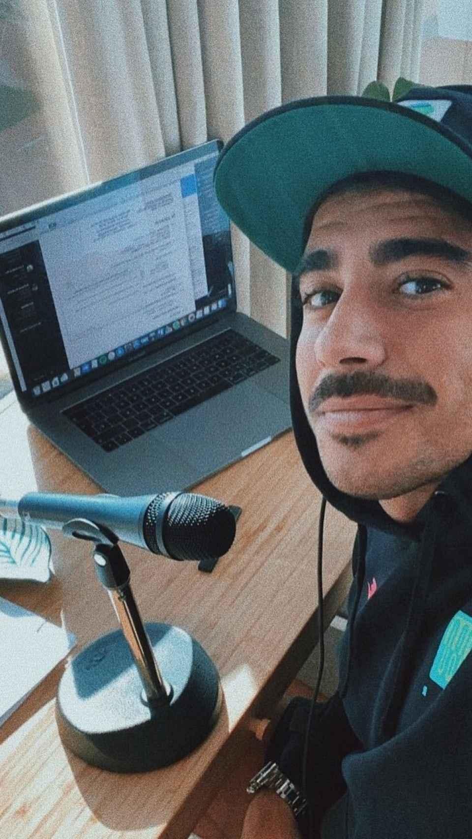 Alberto es una imagen de sus redes sociales.