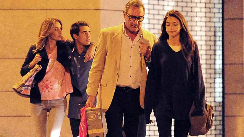 Mariló Montero y Carlos Herrera junto a sus hijos, Alberto y Rocío, en una imagen fechada en 2014.