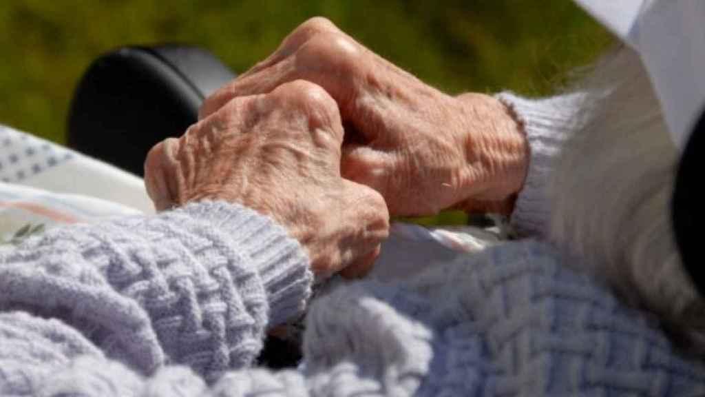 La violencia silenciada a las personas mayores: cuando el maltrato se produce en casa