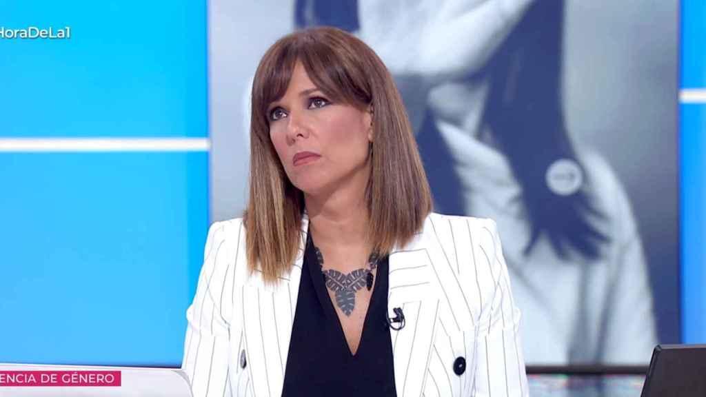 Mónica López intervino varias veces para rebatir el discurso de Villalobos.