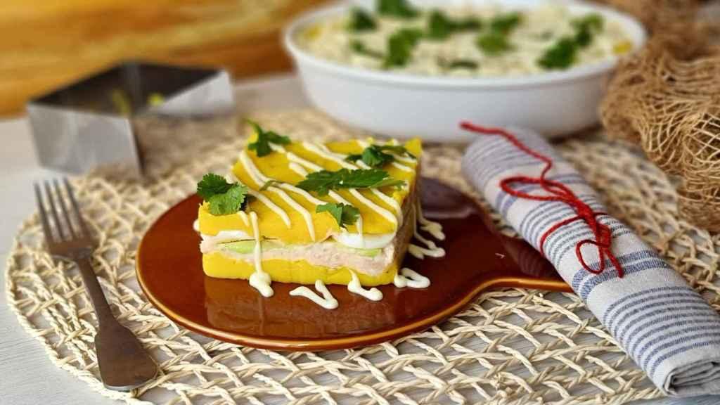 Causa limeña de atún, la receta del pastel de patata frío peruano