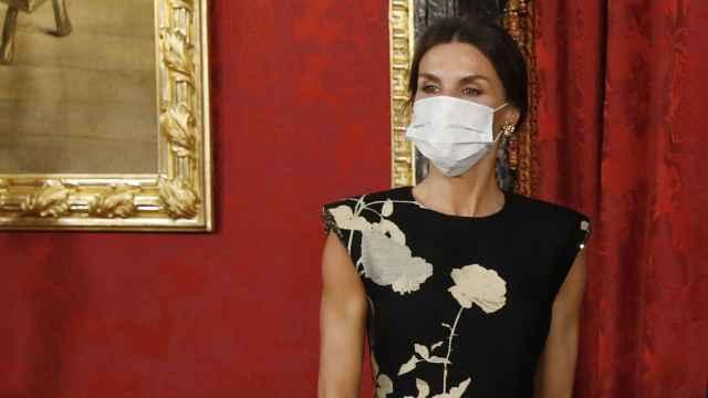 La reina Letizia minutos antes de iniciar el besamanos previo a la cena de Estado.