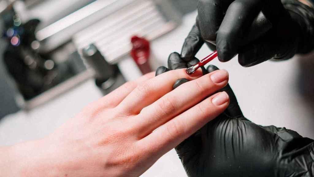 Manicura ombré: el diseño de uñas que triunfa entre las novias.