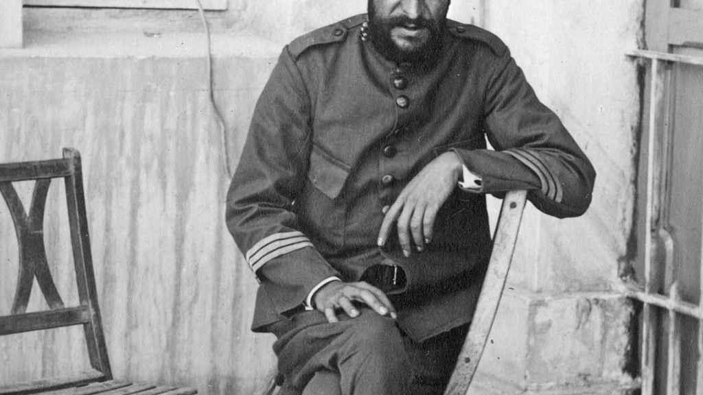 El sargento Basallo, tras ser liberado de Axdir.