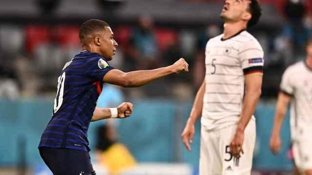 Reacciones de Mbappé y de Hummels tras el gol del alemán en propia