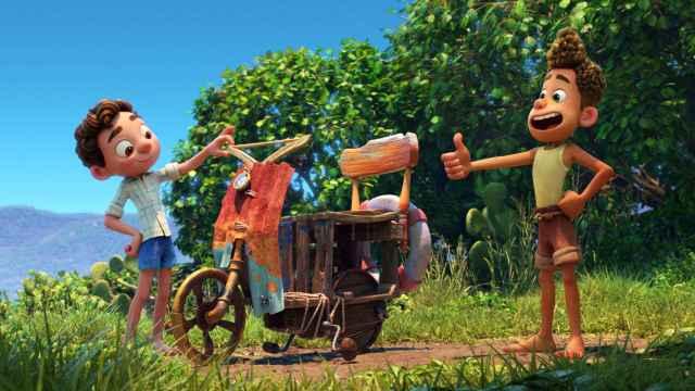 Un momento de la película 'Luca' de Pixar que estrena Disney+ en su plataforma.