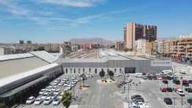 Estación de Renfe de Alicante con el futuro soterramiento al fondo.