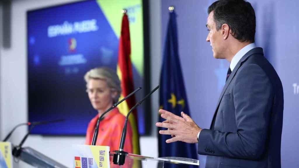 Ursula von der Leyen y Pedro Sánchez, durante su rueda de prensa en Madrid