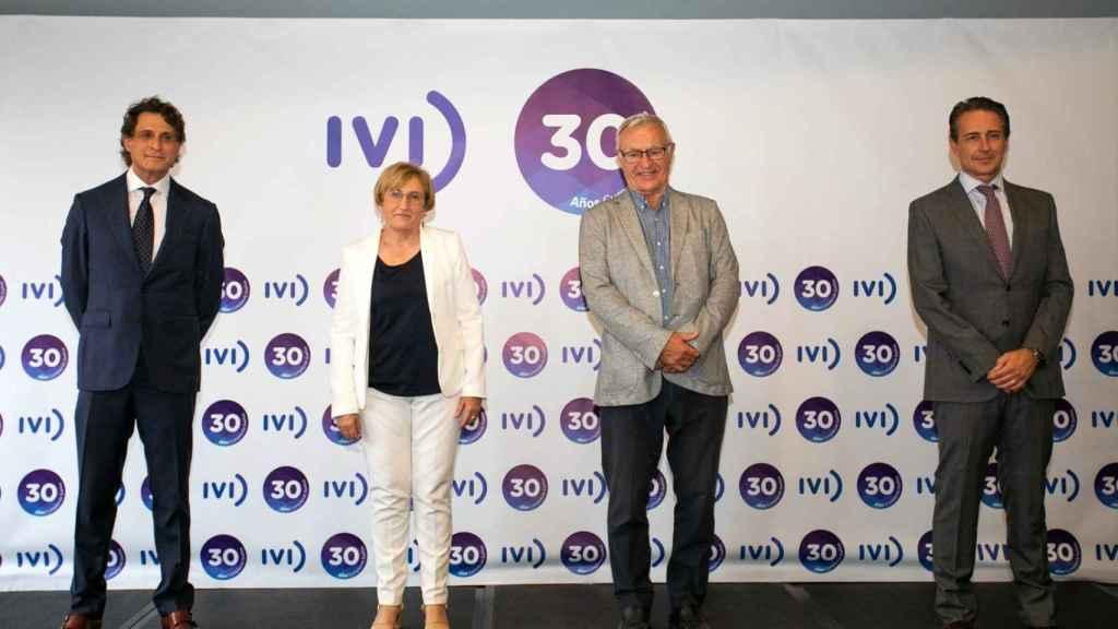 Remohí, Barceló, Ribó y Bosch, durante el acto del 30 aniversario del IVI. EE