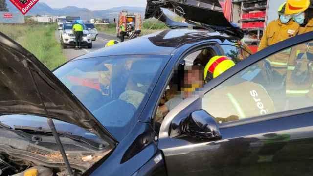 El atropello a un jabalí causa un choque de tres coches con tres heridos en Ondara