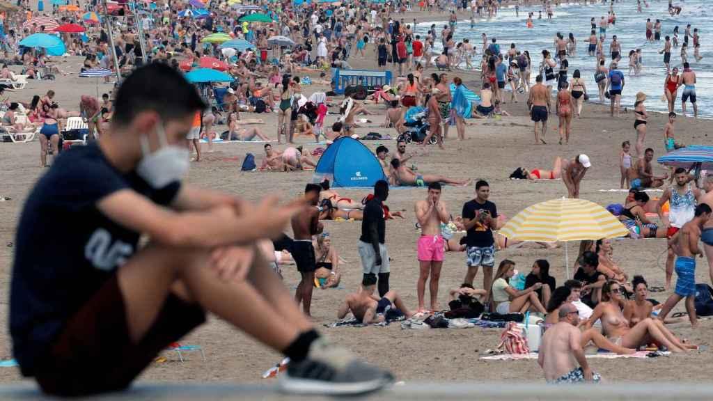 Muchos españoles se irán de vacaciones nada más recibir la vacuna de la Covid.