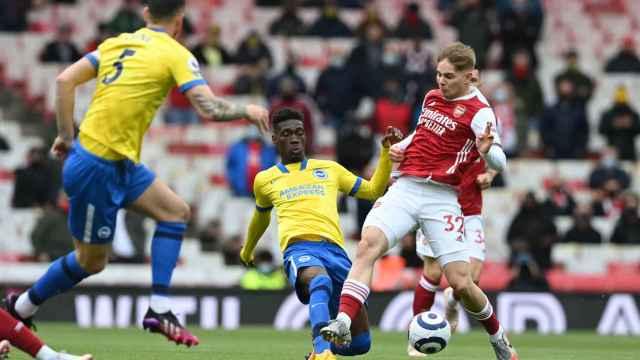 Smith Rowe durante un partido del Arsenal
