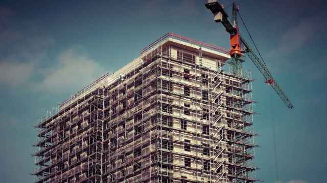 La subida de las materias primas amenaza con subir el precio de la vivienda nueva.