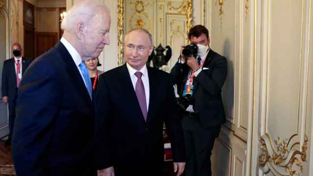 Putin y Biden durante el encuentro que han mantenido en Ginebra.