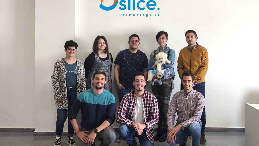 Equipo humano de la startup Oslice Technology en sus instalaciones en Jaén.