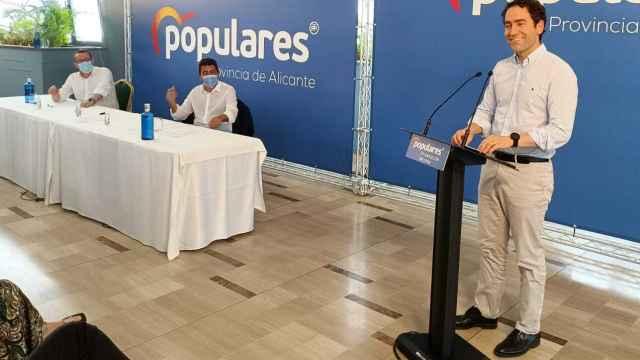 Teodoro García Egea apadrina el traspaso de poderes del PP de Alicante.