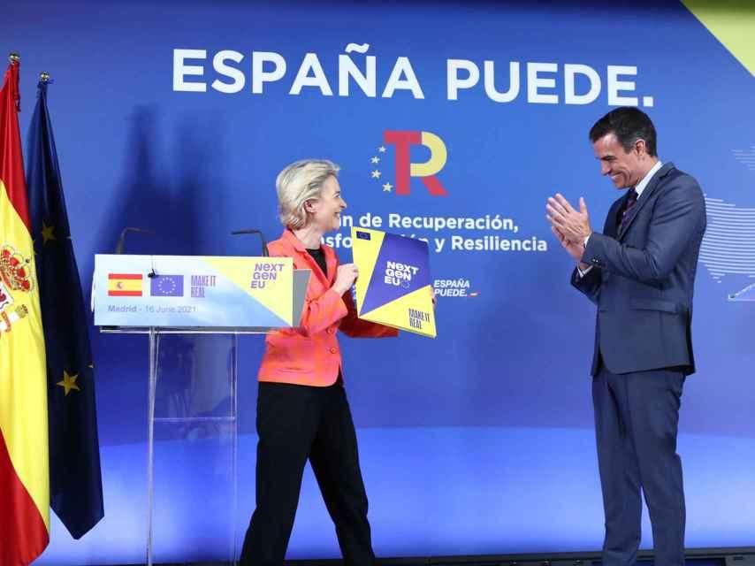 Ursula von der Leyen entregó a Pedro Sánchez su evaluación del plan de reformas el miércoles.
