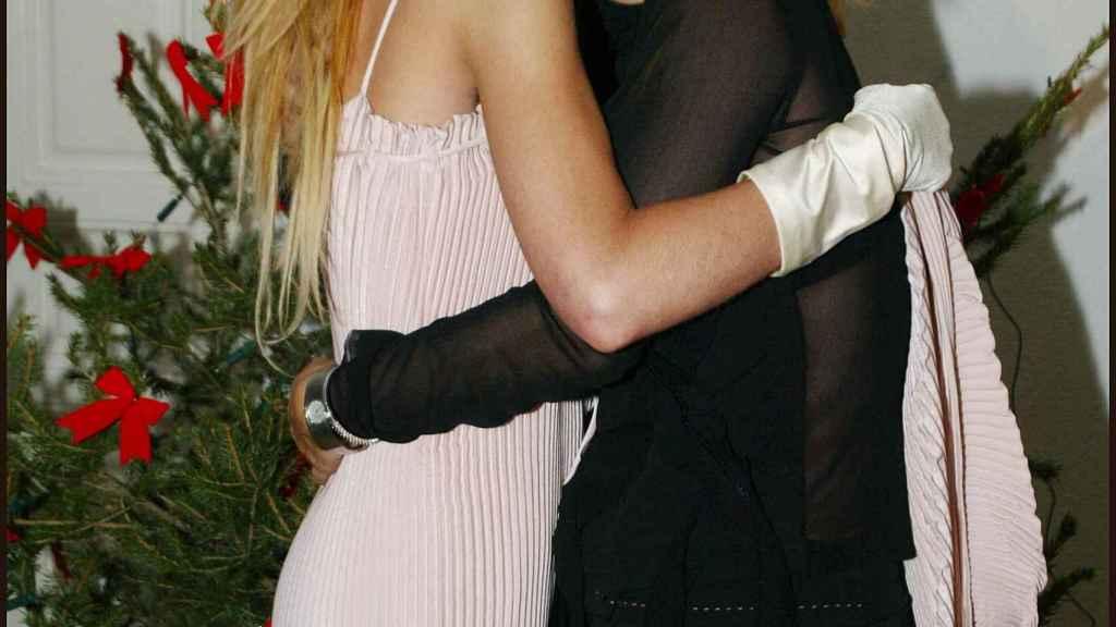 Pilar Soto, junto a la actriz Jenny Llada.