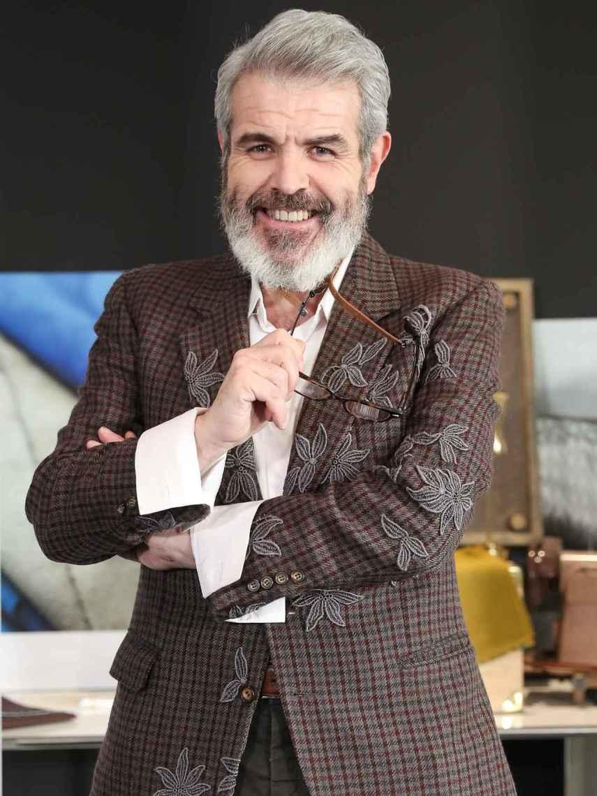 Lorenzo Caprile, durante la presentación de 'Maestros de la costura', en 2020.
