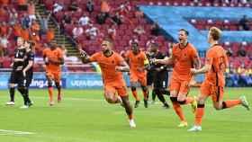 Países Bajos celebra su gol ante Austria
