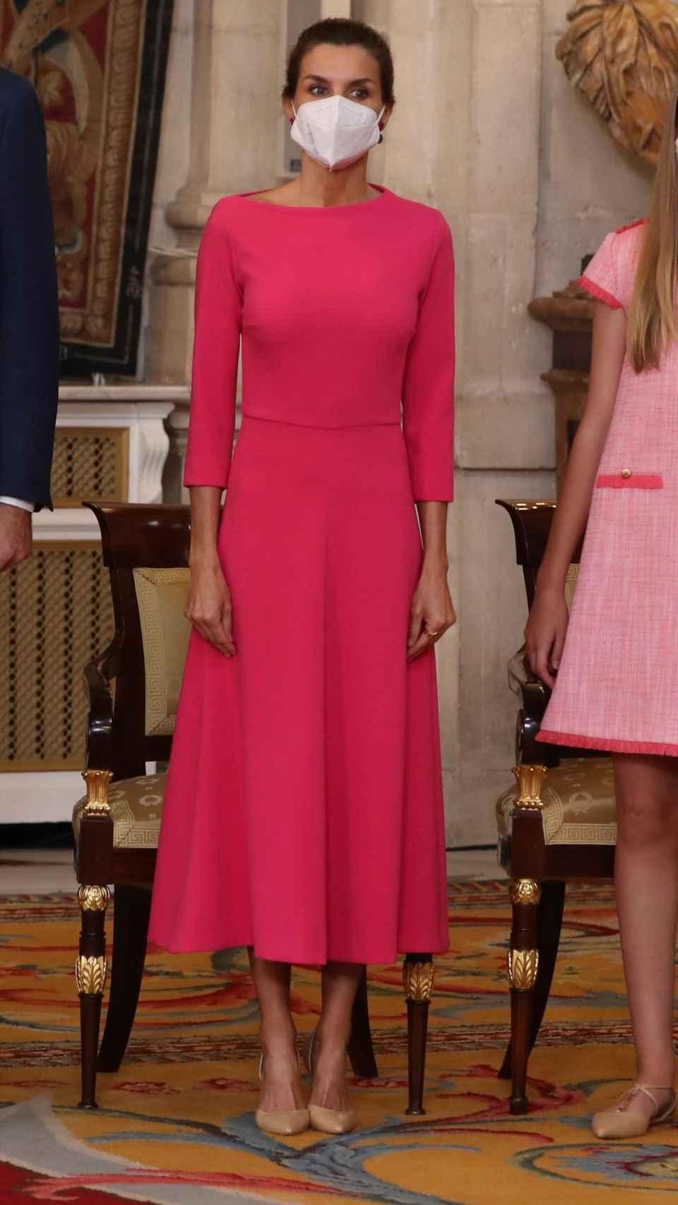 El 'outfit' de la Reina para este importante día para la Corona.