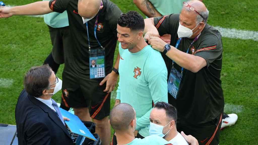 Cristiano Ronaldo durante un calentamiento de Portugal