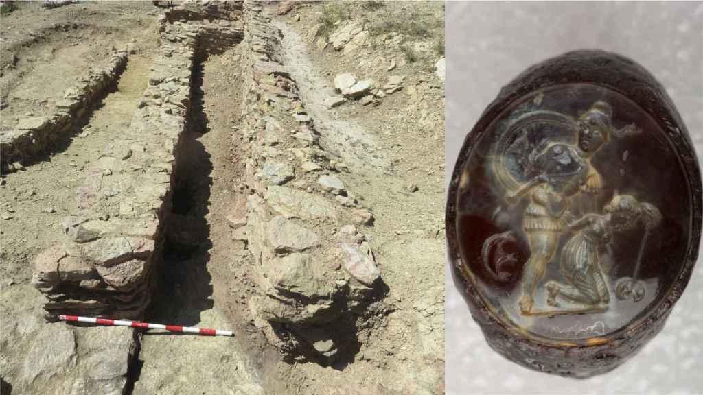 El signaculum romano y el edificio del yacimiento en el que fue hallado.
