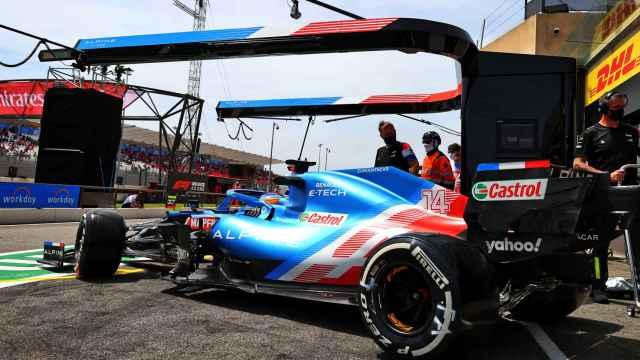 Fernando Alonso y su A521 en el Gran Premio de Francia