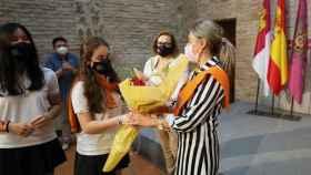 Tolón ha recibido la Beca de Honor del Colegio Divina Pastora, donde empezó su formación escolar