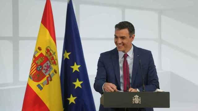 El presidente del Gobierno, Pedro Sánchez, interviene durante un acto de homenaje a la comunidad educativa.