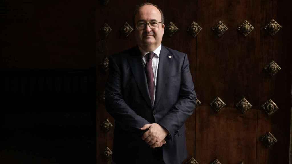El ministro Miquel Iceta, antes de ser entrevistado por EL ESPAÑOL.