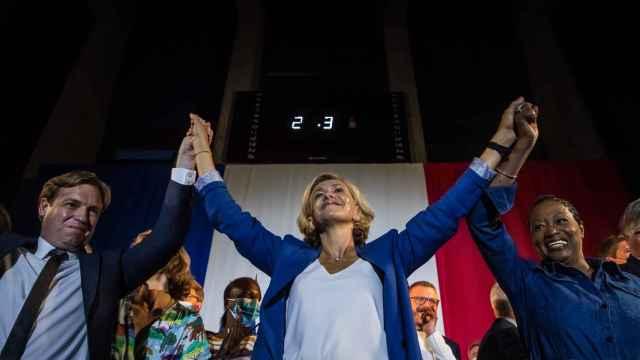 La presidenta de la Isla de Francia (región pairisina), Valerie Pecresse, tras un mitin previo a las elecciones de este domingo.