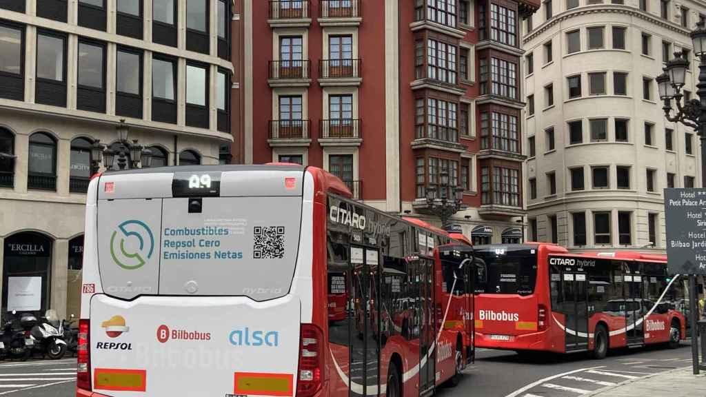 Foto del autobús de Bilbao con biocombustibles.