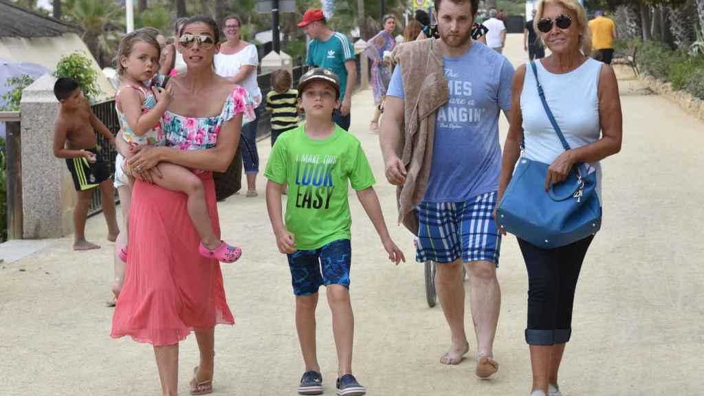 Aviv Miron y Mila Ximénez durante un verano en Marbella.