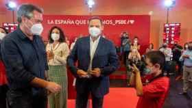 Juan Espadas junto a José Luis Ábalos en un acto en Sevilla.