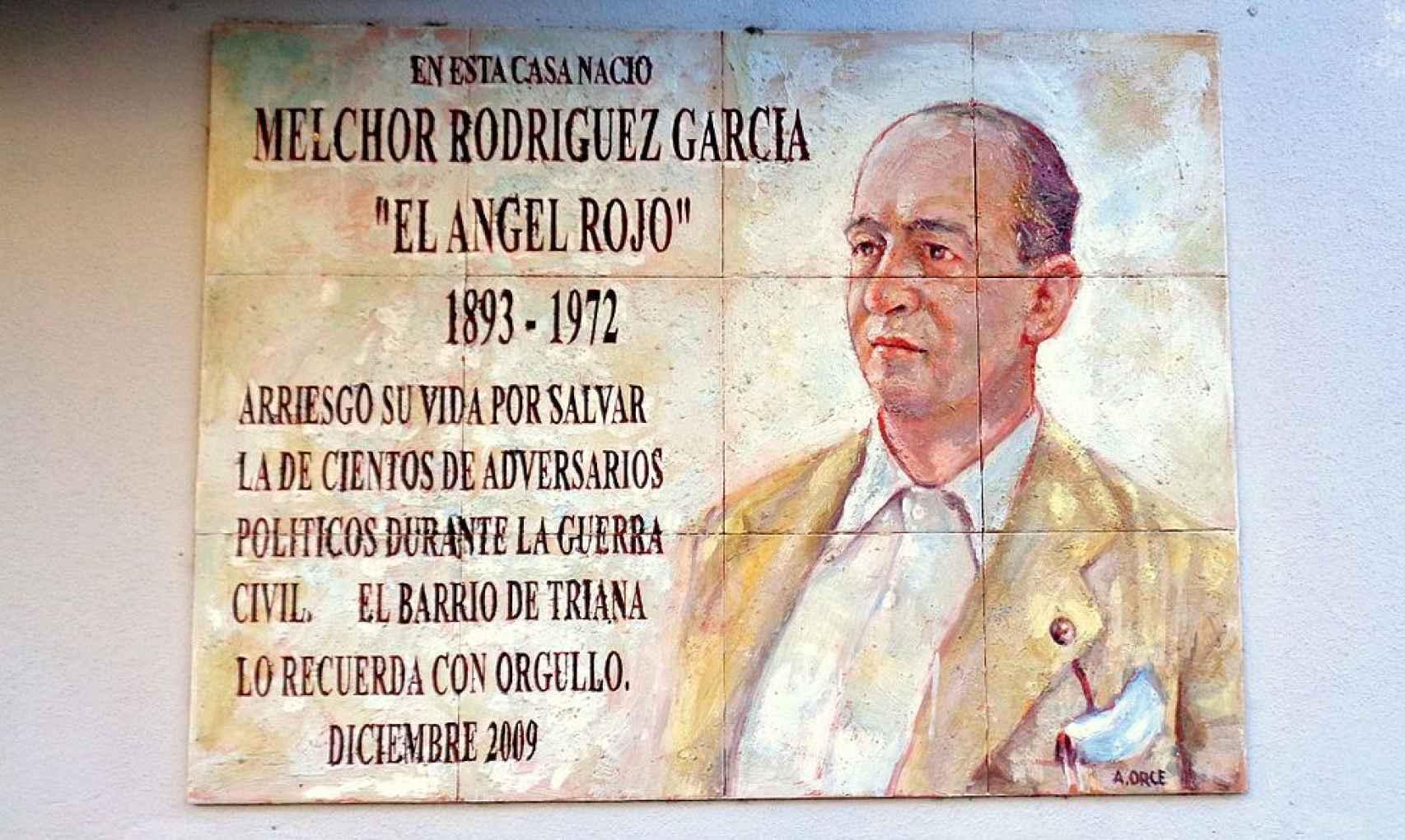 Placa a Melchor Rodríguez en la casa de Triana donde nació.