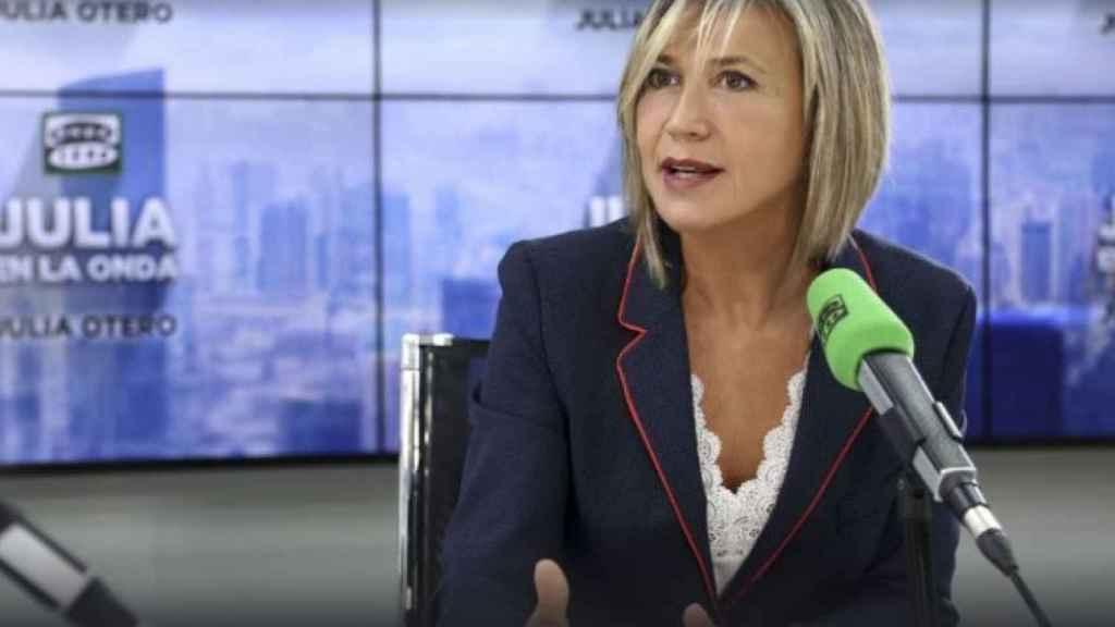 Julia Otero este lunes conduciendo el espacio 'Julia en la Onda'.