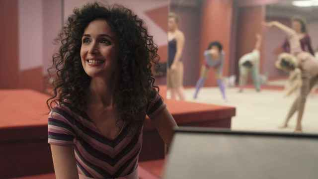 Rosey Byrne es la protagonista estrella de la serie 'Physical', una mordaz comedia negra de Apple TV+.
