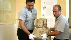 La Dama de Elche en su cesión en 2006 a la ciudad donde fue descubierta hace 124 años.
