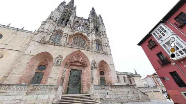 Fachada de Santa María de la catedral gótica.