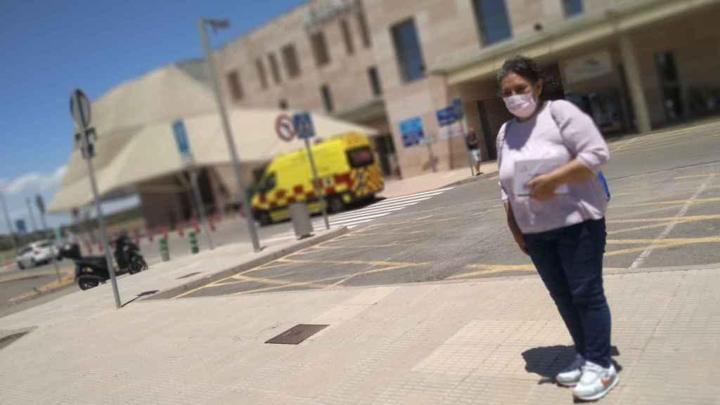Mariana, este martes, en el Hospital Santa Lucía de Cartagena donde sigue ingresada Lili.