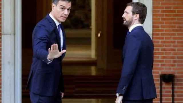 Sánchez y Casado, en una imagen de un encuentro celebrado en febrero de 2020./