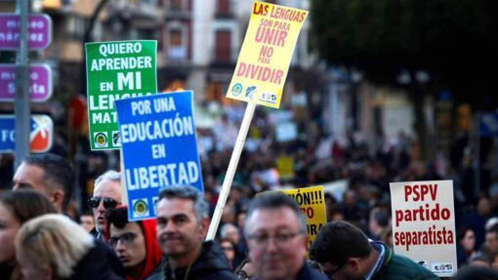 Manifestación en Orihuela en contra del plurilingüismo.