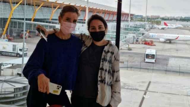 La imagen que ha compartido en sus redes sociales la exintegrante de la Marina Real británica, Sioned Taylor, junto a Latifa en Madrid.