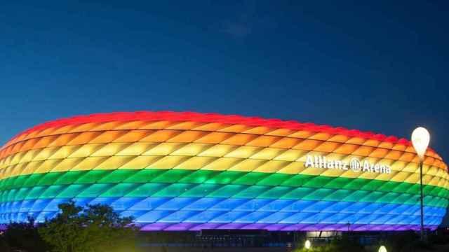 El Allianz Arena, con los colores de la bandera LGTB