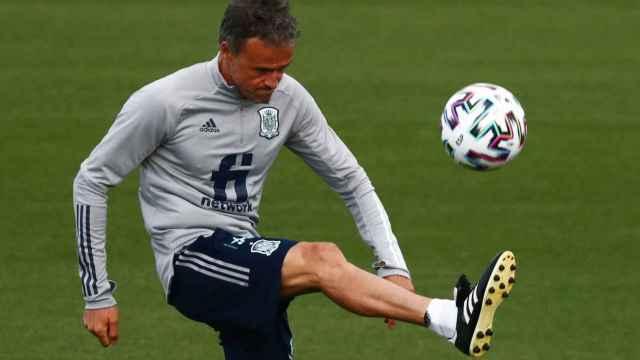 Luis Enrique, durante un entrenamiento con la Selección